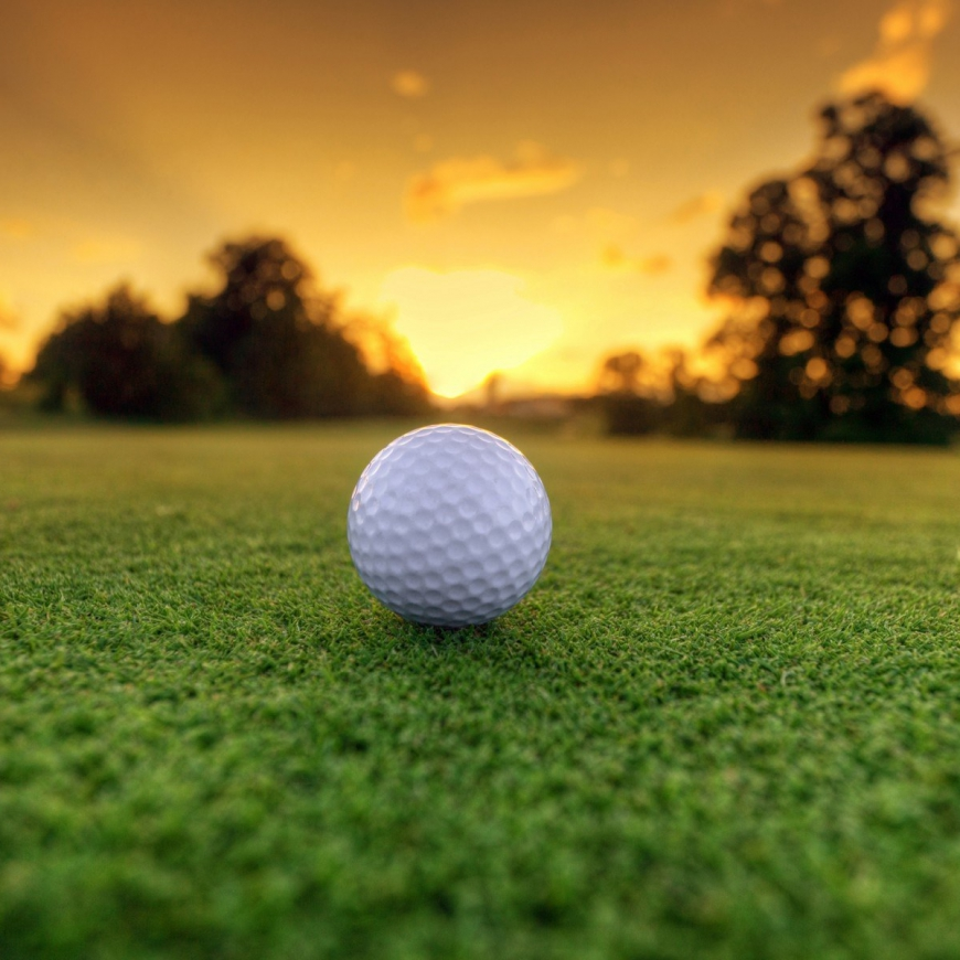 Golfbal zonsondergang rangefinder
